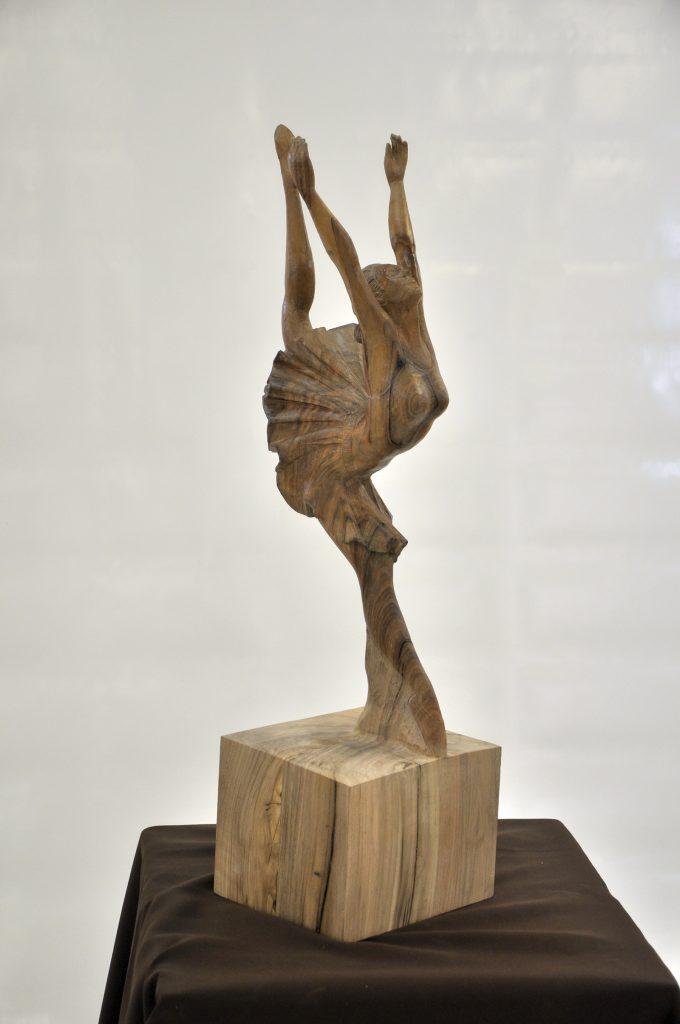 Terpsichore Style art nouveau - Ronde bosse en noyer et tilleul dorée dim 620x620x250